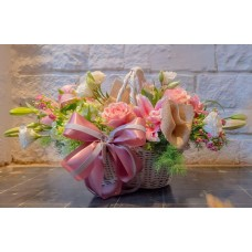 Deluxe arrangement of pink lilies and roses